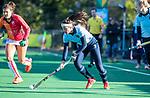 Laren - Bente van der Veldt (laren)   tijdens de Livera hoofdklasse  hockeywedstrijd dames, Laren-Oranje Rood (1-3).  COPYRIGHT KOEN SUYK