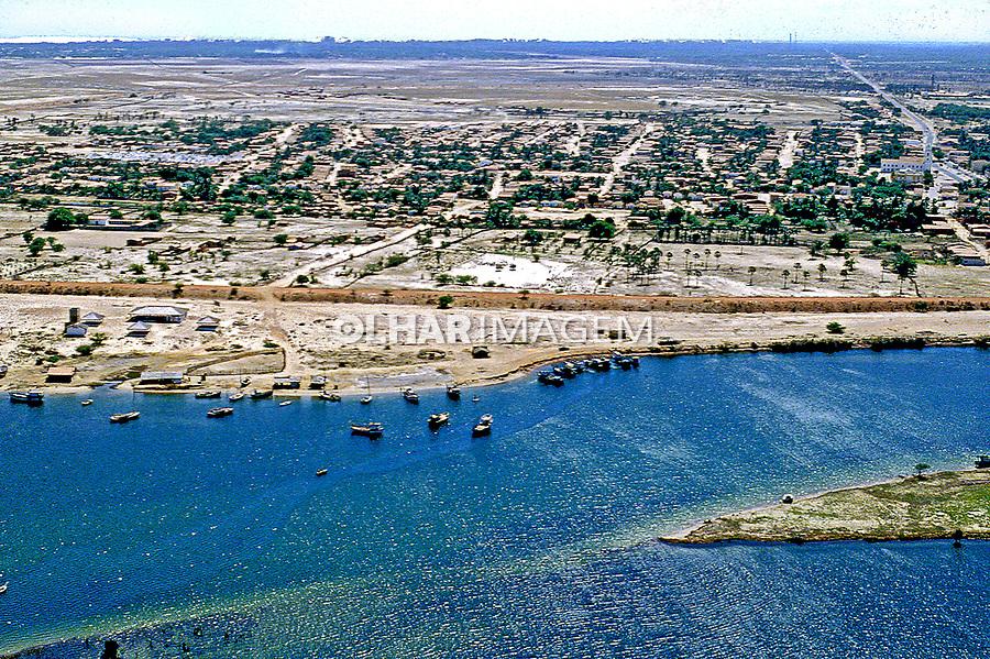 Aérea do Rio Jaguaribe, município de Aracati, Ceará. 1993. Foto de Juca Martins.