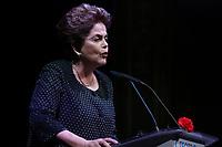"""LISBOA, PORTUGAL, 15.03.2017 - DILMA-ROUSSEFF - A ex presidente brasileira Dilma Rousseff durante abertura do Ciclo de palestra do Teatro da Trindade e com a intervenção intitulada """"Neoliberalismo, desigualdade, democracia ataque"""" na cidade de Lisboa em Portugal nesta quarta-feira, 15. (Foto: Líbia Florentino/Brazil Photo Press)"""