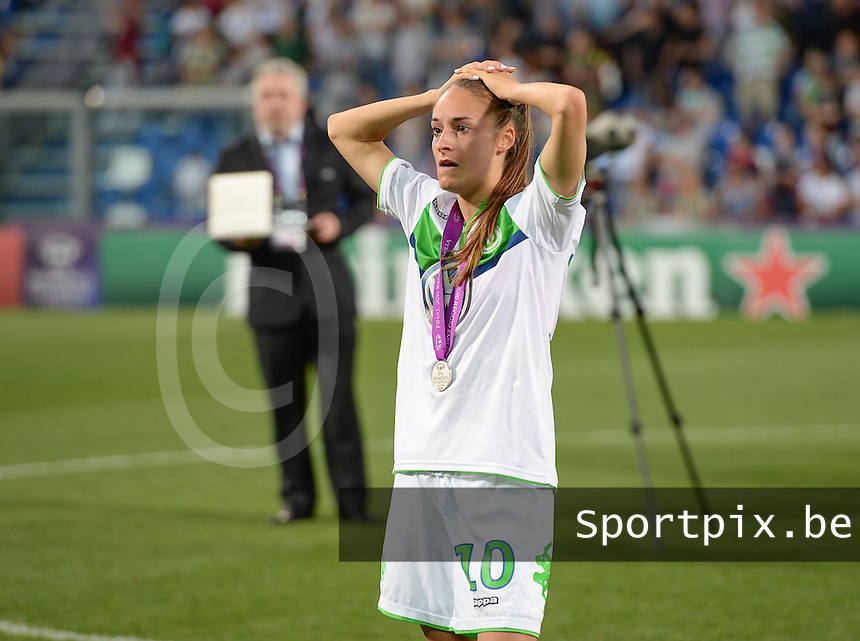 20160526 - REGGIO EMILIA , ITALY : Wolfsburg's Tessa Wullaert pictured looking disappointed and dejected after losing the womensoccer match between the teams of  VFL Wolfsburg Frauen and Olympique Lyon , during the final of the Uefa Women Champions League 2015 - 2016 in Stadio citta del tricolore Stadium , Reggio Nell Emilia - Italy , Thursday 26 May 2016 . PHOTO SPORTPIX.BE / DAVID CATRY