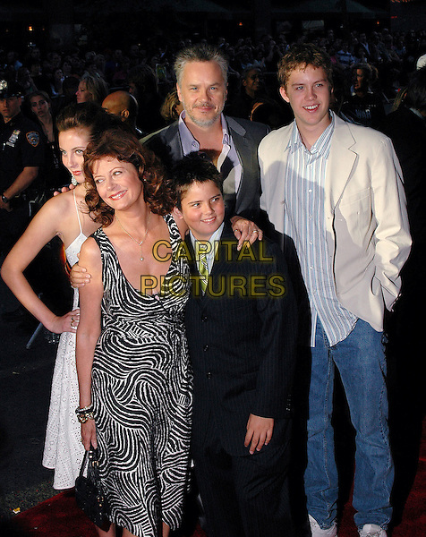 "TIM ROBBINS, SUSAN SARANDON & FAMILY.The New York premiere of the new film, ""War Of The Worlds"" at the Ziegfeld Theater, New York, New York..June 23rd, 2005.Photo Credit: Patti Ouderkirk/AdMedia.half length married husband wife celebrity couple.www.capitalpictures.com.sales@capitalpictures.com.© Capital Pictures."