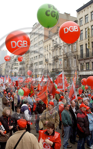 Brussels-Belgium - 19 March 2005---The European Trade Union Confederation (ETUC) called for a demonstration and more than 50.000 demonstrators came into the city of Brussels to demand more and better jobs, to defend a social Europe and to withdraw the Bolkestein directive; here, particpants from DGB---Photo: Horst Wagner/eup-images