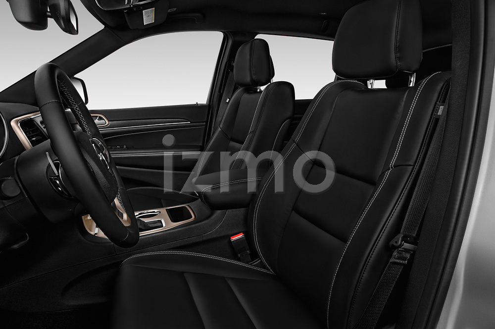 Front seat view of a 2018 Jeep Grand-Cherokee Limited 5 Door SUV front seat car photos