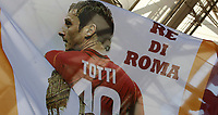 Calcio, Serie A: Roma, stadio Olimpico, 28 maggio 2017.<br /> A banner featuring Roma&rsquo;s Francesco Totti before the start the Italian Serie A football match between AS Roma and Genoa at Rome's Olympic stadium, May 28, 2017.<br /> Francesco Totti's final match with Roma after a 25-season career with his hometown club.<br /> UPDATE IMAGES PRESS/Isabella Bonotto