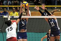 BOGOTÁ-COLOMBIA, 07-01-2020: Lucia Fresco y Julieta Lezcano de Argentina, intentan un bloqueo al ataque de balón, a Karla Ortiz de Perú, durante partido entre Argentina y Perú, en el Preolímpico Suramericano de Voleibol, clasificatorio a los Juegos Olímpicos Tokio 2020, jugado en el Coliseo del Salitre en la ciudad de Bogotá del 7 al 9 de enero de 2020. / Lucia Fresco and Julieta Lezcano from Argentina, tries to block the attack the ball to Karla Ortiz from Peru, from Peru, during a match between Argentina and Peru, in the South American Volleyball Pre-Olympic Championship, qualifier for the Tokyo 2020 Olympic Games, played in the Colosseum El Salitre in Bogota city, from January 7 to 9, 2020. Photo: VizzorImage / Luis Ramírez / Staff.
