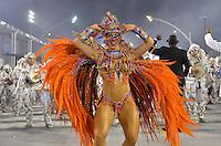 SAO PAULO, SP, 10 FEVEREIRO 2013 - CARNAVAL SP - IMPERIO DA CASA VERDE - Andrea Andrade da escola de samba Imperio da Casa Verde durante desfile no segundo dia do Grupo Especial no Sambódromo do Anhembi na região norte da capital paulista, na madrugada deste domingo, 10. FOTO: LEVI BIANCO - BRAZIL PHOTO PRESS