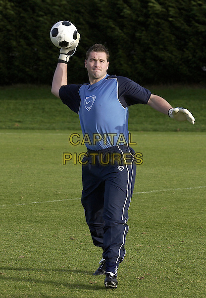 PAUL ROBINSON.Tottenham Hotspur and England Goalkeeper at Tottenham Training Ground, London, January 6th 2005..full length footballer throwing fooball spurs.Ref: DH.www.capitalpictures.com.sales@capitalpictures.com.©David Hitchens/Capital Pictures .
