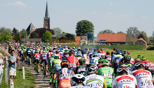 The peloton in action during Stage 2 of the 2016 Giro d'Italia running 190km from Arnhem to Nijmegen, The Nethrerlands. 7th May 2016.<br /> Picture: ANSA/Claudio Peri | Newsfile<br /> <br /> <br /> All photos usage must carry mandatory copyright credit (&copy; Newsfile | ANSA/Claudio Peri)
