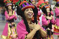 SÃO PAULO, SP, 09.03.2019 - CARNAVAL-SP - Integrantes da escola de samba Rosa de Ouro comemoram no desfile das campeãs do grupo especial de São Paulo na noite deste sábado, 09. (Foto: Nelson Gariba/Brazil Photo Press)