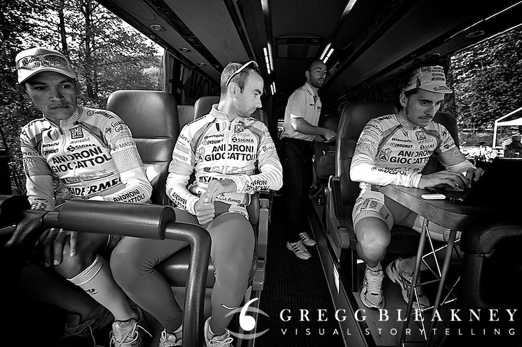 8:50 hotel departure -- The athletes are all on the bus, checking some last minute messages, and relaxing together for the 45 minute transfer to the start.