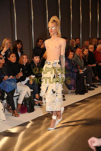 MAISON MARGIELA<br /> Paris Fashion Week, Ready to Wear, Spring Summer 2016, Paris, France September 30, 2015.<br /> CAP/GOL<br /> &copy;GOL/Capital Pictures