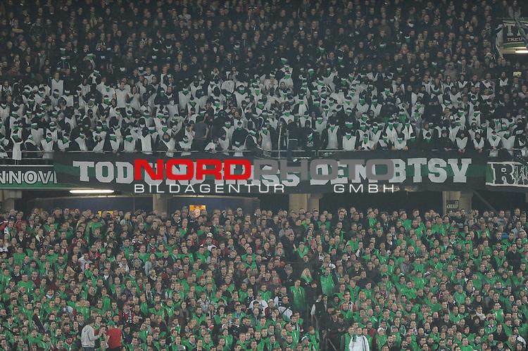 08.11.2013, HDI Arena, Hannover, GER, 1.FBL, Hannover 96 vs Eintracht Braunschweig, im Bild Baner im Hannover-Fanblock<br /> <br /> Foto &copy; nph / Frisch