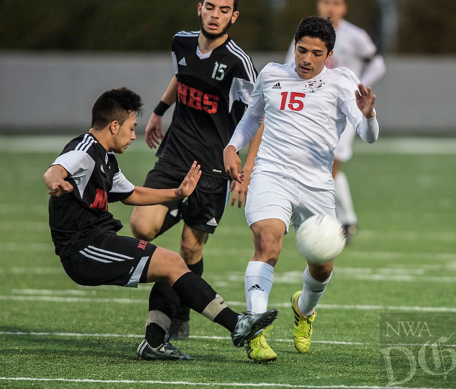 NWA Democrat-Gazette/ANTHONY REYES • @NWATONYR<br /> Springdale against Fort Smith Northside Thursday, March 19, 2015 at Bulldog Stadium in Springdale. The Bulldogs won on penalty kicks after a 2-2 tie at the end of regulation.