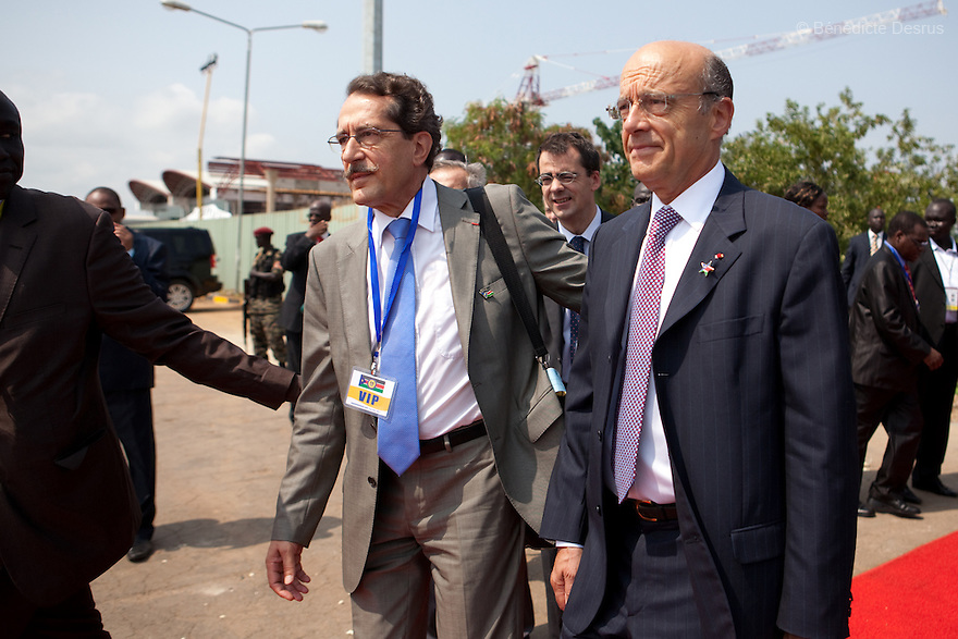 Saturday 9 july 2011 - Juba, Republic of South Sudan - Alain Marie Juppé,  French politician currently serving as the Minister of Foreign Affairs arrives at Juba airport for the Independence Day celebrations in South Sudan's capital Juba. Photo credit: Benedicte Desrus