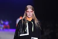 São Paulo (SP), 27/04/2019 - Moda / Fashion Week - Modelo durante desfile da marca Cavalera durante a edição 47 da São Paulo Fashion Week, no espaço Arca, na zona oeste de São Paulo, neste sábado, 27. (Foto: Ciça Neder / Brazil Photo Press)