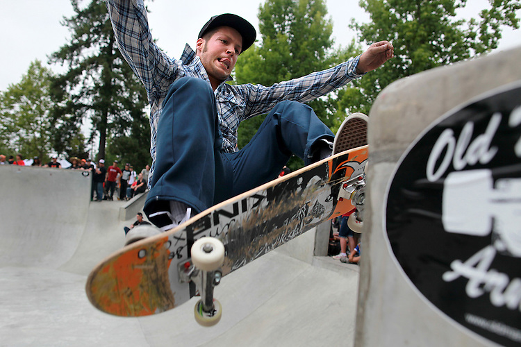 Johnny Turgesen,22, of S.E. Portland originally from Medford performs a frontside ollie at the 7th Oregon Trifecta's 7th Annual Bowlriders Contest held at Jim Griffith Skate Park August 8, 2009..