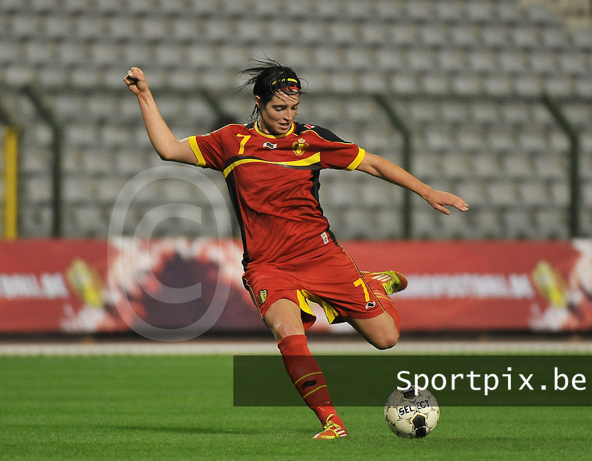 20130921 - BRUSSELS , BELGIUM : Belgian Cecile De Gernier pictured during the female soccer match between Belgium and Albania , on the first matchday in group 5 of the UEFA qualifying round to the FIFA Women World Cup in Canada 2015 at the Koning Boudewijn Stadion , Brussels . Saturday 21th September 2013. PHOTO DAVID CATRY