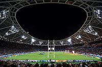 A general view of The Stadium, at the Queen Elizabeth Olympic Park, as the teams run out. Rugby World Cup Pool C match between New Zealand and Namibia on September 24, 2015 at The Stadium, Queen Elizabeth Olympic Park in London, England. Photo by: Patrick Khachfe / Onside Images