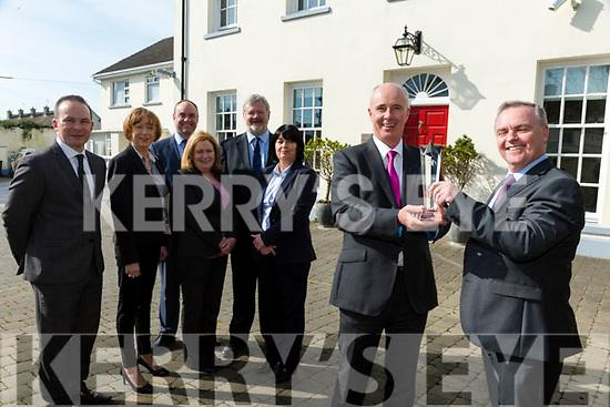 Premier Finance win the LPI Award 'Best Investment Broker