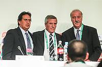 SAO PAULO, SP, 01 DEZEMBRO  2012 - SORTEIO COPA DAS CONFEDERACOES  - (E/D) Os treinadores Eddy Etaeta (Tahiti), Oscar Tabarez  (Uruguai) e Vicente Del Bosque (Espanha)  durante coletiva de imprensa apos sorteio dos grupos da Copa das Confederacoes  2013 neste sabado no Parque Anhembi regiao norte da capital paulista. FOTo: WILLIAM VOLCOV - BRAZIL PHOTO PRESS.