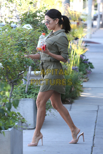 BEVERLY HILLS, CA - JUNE 2: Eva Longoria seen leaving Ken Paves Hair Salon in Beverly Hills, California on June 2, 2015. <br /> CAP/MPI/Misa<br /> &copy;Misa/MPI/Capital Pictures