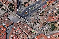 Segovia Aquaedukt: SPANIEN, KASTILIEN LEON, SEGOVIA, 27.07.2003: Aquaedukt, Architektur, Bauwerk, Europa, Geographie, Querformat, Reise, roemisch, Segovia, Sehenswuerdigkeit, Spanien, Stadt, Suedeuropa, Wasserleitung, Weltkulturerbe, Zentralspanien, Luftbild, Aufwind-Luftbilder.c o p y r i g h t : A U F W I N D - L U F T B I L D E R . de.G e r t r u d - B a e u m e r - S t i e g 1 0 2, .2 1 0 3 5 H a m b u r g , G e r m a n y.P h o n e + 4 9 (0) 1 7 1 - 6 8 6 6 0 6 9 .E m a i l H w e i 1 @ a o l . c o m.w w w . a u f w i n d - l u f t b i l d e r . d e.K o n t o : P o s t b a n k H a m b u r g .B l z : 2 0 0 1 0 0 2 0 .K o n t o : 5 8 3 6 5 7 2 0 9. V e r o e f f e n t l i c h u n g  n u r  m i t  H o n o r a r  n a c h M F M, N a m e n s n e n n u n g  u n d B e l e g e x e m p l a r !...