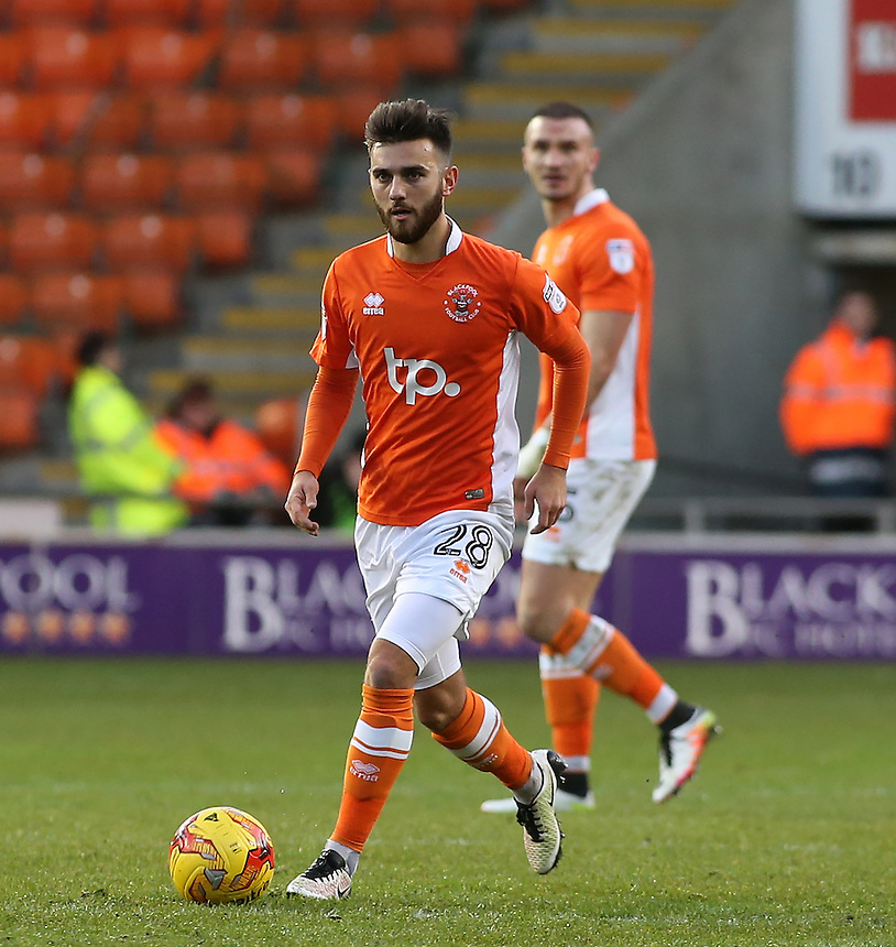Blackpool's Jack Payne in action during todays match  <br /> <br /> Photographer David Shipman/CameraSport<br /> <br /> The EFL Sky Bet League Two - Blackpool v Luton Town - Saturday 17th December 2016 - Bloomfield Road - Blackpool<br /> <br /> World Copyright &copy; 2016 CameraSport. All rights reserved. 43 Linden Ave. Countesthorpe. Leicester. England. LE8 5PG - Tel: +44 (0) 116 277 4147 - admin@camerasport.com - www.camerasport.com