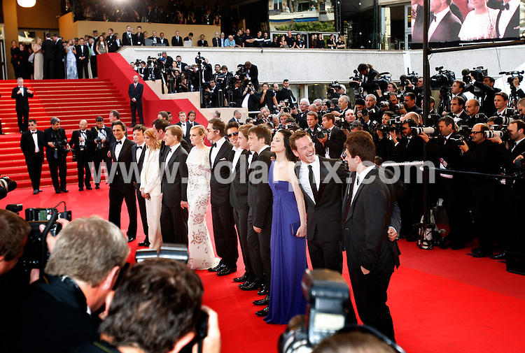 **ALL ROUND PICTURES FROM SOLARPIX.COM**.**SYNDICATION RIGHTS FOR UK AND SPAIN ONLY**.Arrivals at the premiere of Inglourious Basterds at the 62nd Cannes Film Festival in Cannes, France. .This pic:   Lawrence Bender,Mike Myers,Christoph Waltz,Melanie Laurent,Wuentin Tarantino,Diane Kruger,Brad Pitt,Michael Fassbender,Eli Roth.JOB REF:      9067    CPR/Heinz        DATE:  21.05.09.**MUST CREDIT SOLARPIX.COM OR DOUBLE FEE WILL BE CHARGED**.**ONLINE USAGE FEE GBP 50.00 PER PICTURE - NOTIFICATION OF USAGE TO PHOTO @ SOLARPIX.COM**.**CALL SOLARPIX : +34 952 811 768 or LOW RATE FROM UK 0844 617 7637**