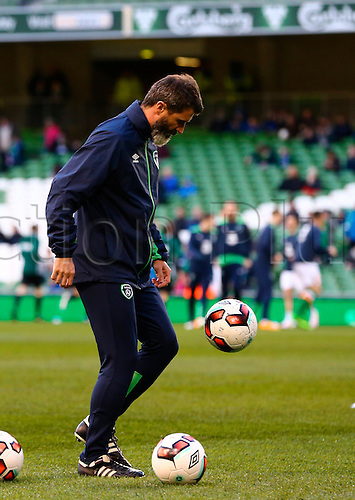 29.03.2016. Aviva Stadium, Dublin, Ireland. International Football Friendly Rep. of Ireland versus Slovakia. Rep. of Ireland assistant manager Roy Keane practices his ball skills.