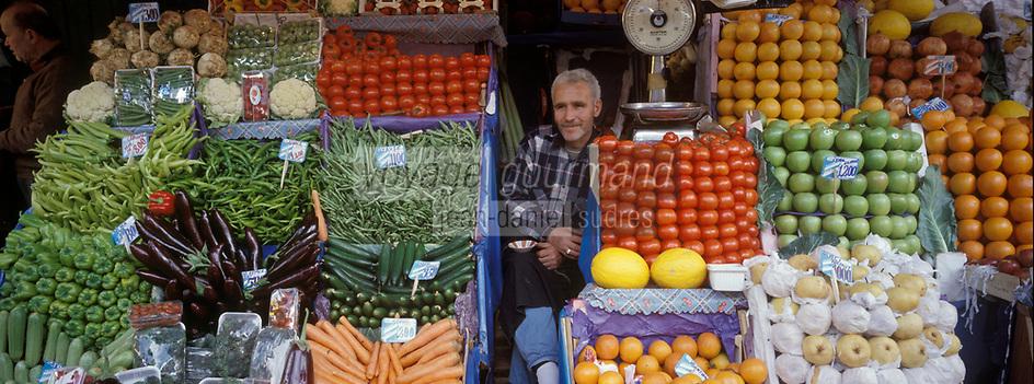 """Europe/Turquie/Istanbul: Bazar aux épices """"Misir Carsisi"""" - Détail d'un étal de fruits et légumes"""