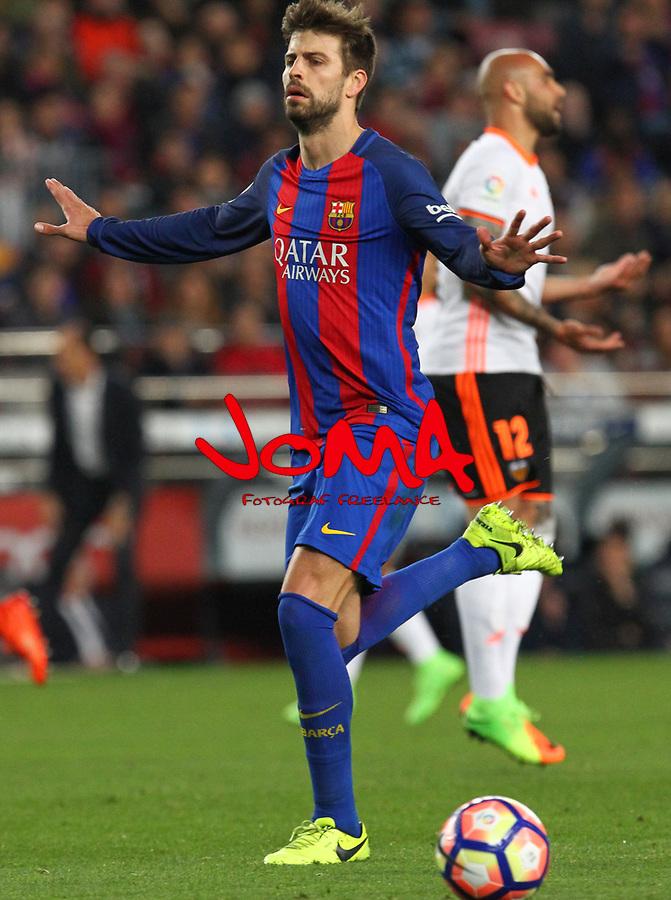 Gerard Pique en el partido de liga entre el FC Barcelopna contra el Valencia en el Camp Nou