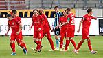 09.06.2020, xtgx, Fussball 3. Liga, Hallescher FC - SV Waldhof Mannheim emspor, v.l. halle nach tor zum 1:0 durch Toni Lindenhahn (Halle, 6) Jubel, Torjubel, jubelt ueber das Tor, celebrate the goal, celebration  beim Spiel in der 3. Liga, Hallescher FC - SV Waldhof Mannheim.<br /> <br /> Foto © PIX-Sportfotos *** Foto ist honorarpflichtig! *** Auf Anfrage in hoeherer Qualitaet/Aufloesung. Belegexemplar erbeten. Veroeffentlichung ausschliesslich fuer journalistisch-publizistische Zwecke. For editorial use only. DFL regulations prohibit any use of photographs as image sequences and/or quasi-video.