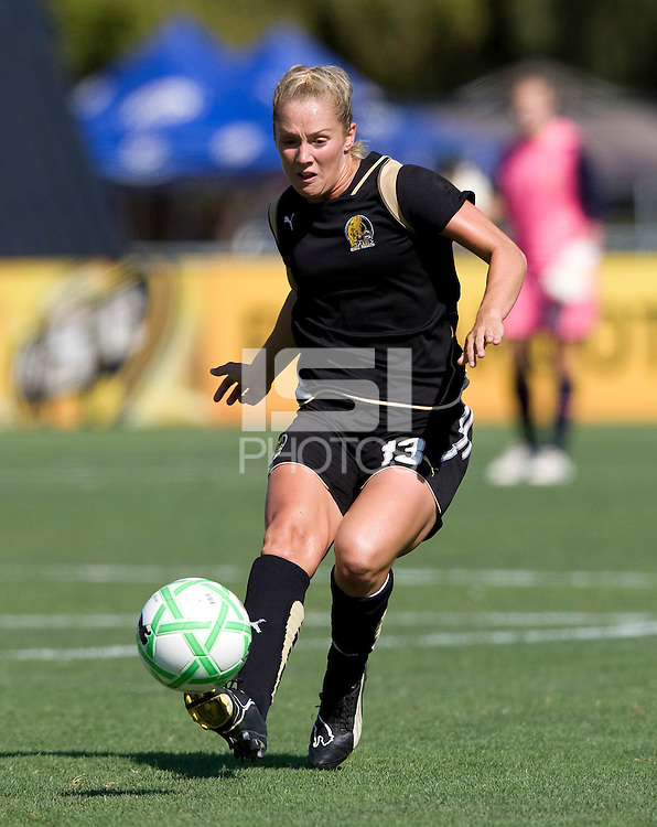 01 August 2009:  Kristen Graczyk of the FC Gold Pride in action during the game against Washington Freedom at Buck Shaw Stadium in Santa Clara, California.   FC Gold Pride defeated Washington Freedom, 3-2.