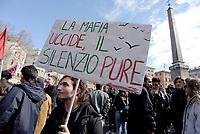 Roma, 21 Marzo 2018<br /> Studenti manifestano contro la Mafia<br /> Il 21 Marzo &egrave; la Giornata della Memoria e dell&rsquo;Impegno in ricordo delle vittime innocenti delle mafie, promossa dall&rsquo;associazione Libera