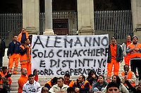 Roma, 05 Novembre 2009.Manifestazione di lavoratori delle cooperative sociali in Campidoglio.Manifestation of workers in social cooperatives in the Capitol.The banner reads: .Alemanno You're nothing but a lot of talk and badge!
