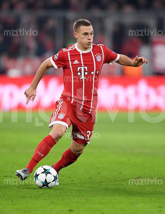 FUSSBALL CHAMPIONS LEAGUE SAISON 2017/2018 GRUPPENPHASE FC Bayern Muenchen - Paris Saint-Germain               05.12.2017 Joshua Kimmich (FC Bayern Muenchen)