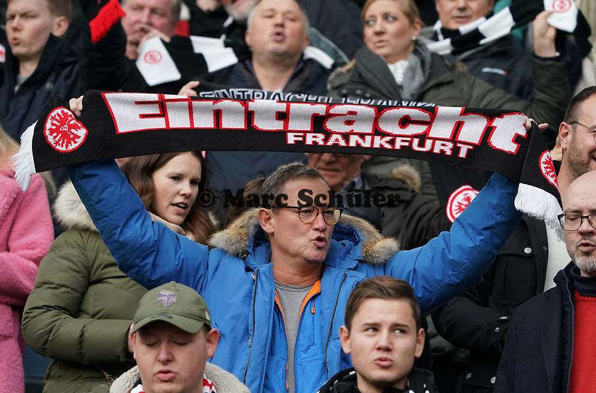 Fans von Eintracht Frankfurt - 23.11.2019: Eintracht Frankfurt vs. VfL Wolfsburg, Commerzbank Arena, 12. Spieltag<br /> DISCLAIMER: DFL regulations prohibit any use of photographs as image sequences and/or quasi-video.