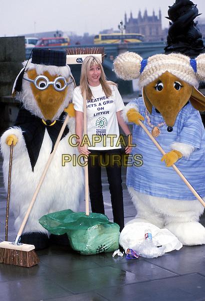 HEATHER MILLS.one leg, model, mrs paul mccartney, litter promotion, wombles.Ref: 9474.www.capitalpictures.com.sales@capitalpictures.com.© Capital Pictures