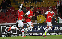 BOGOTA -COLOMBIA, 13-07-2016. Humberto Osorio (Izq.)  jugador de Santa Fe  celebra su gol contra el Bucaramanga durante encuentro  por la fecha 3 de la Liga Aguila II 2016 disputado en el estadio Nemesio Camacho El Campín./ Humberto Osorio (L)  player of Santa Fe  celebrates his goal against of Bucaramanga during match for the date 3 of the Aguila League II 2016 played at Nemesio Camacho El Campin stadium . Photo:VizzorImage / Felipe Caicedo  / Staff