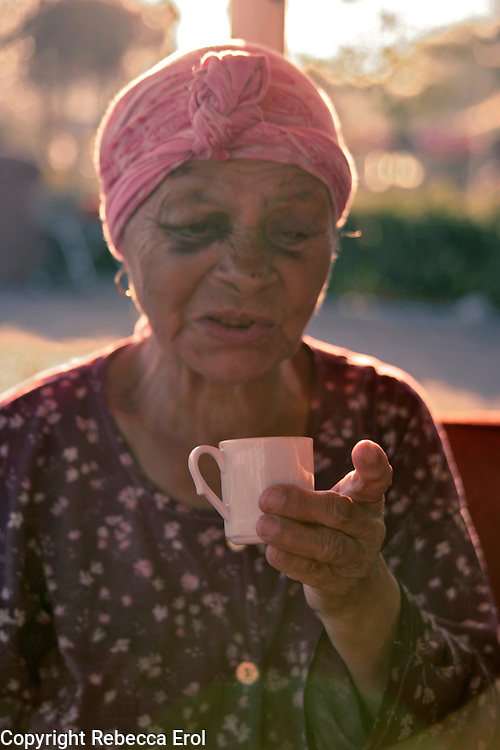 Gypsy fortune-telling from a coffee cup, Istanbul, Turkey