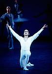 Yat Sen Chang of English National Ballet performing in Etudes