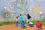 Jogo de bolinha de gude no Centro das Crianças e Adolescentes da Prefeitura de Sao Paulo. Sao Paulo. 2015. Foto de Marcia Minillo.