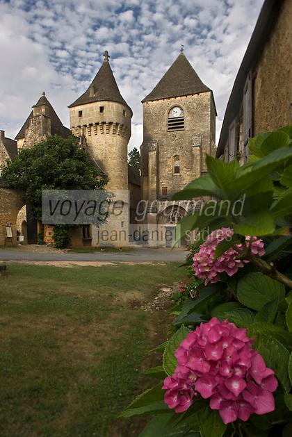 Europe/France/Aquitaine/24/Dordogne/Périgord Noir/Saint-Geniès: L 'église et le Château du XV