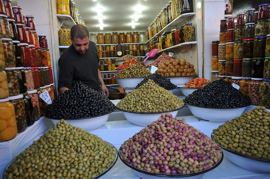 Olives vendor on the market