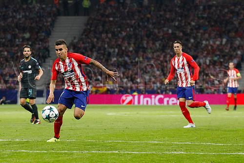 27th September 2017, Wanda Metropolitano, Madrid, Spain; UEFA Champions League, Atletico Madrid versus Chelsea; Nicolas Gaitan (22) Atletico de Madrid chases the long ball