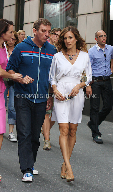 WWW.ACEPIXS.COM . . . . .  ....September 8 2009, New York City....Director Michael Patrick King and actress Sarah Jessica Parker on the Fifth Avenue set of the new 'Sex and the City' movie on September 8 2009 in New York City....Please byline: AJ Sokalner - ACEPIXS.COM..... *** ***..Ace Pictures, Inc:  ..tel: (212) 243 8787..e-mail: info@acepixs.com..web: http://www.acepixs.com