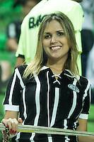 BELO HORIZONTE, MG, 04.05.2014 &ndash; CAMPEONATO BRASILEIRO 2014 &ndash; ATL&Eacute;TICO-MG X GOI&Aacute;S Torcedores  do Atl&eacute;tico-MG durante jogo contra Goi&aacute;s valido pela 3&ordf; rodada do <br /> Campeonato Brasileiro 2014, no est&aacute;dio Arena Independ&ecirc;ncia, na noite deste Domingo (04) (Foto: MARCOS FIALHO / BRAZIL PHOTO PRESS)