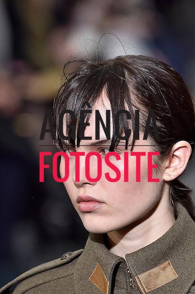 John Galliano<br /> <br /> Paris - Inverno 2016<br /> <br /> <br /> foto: FOTOSITE