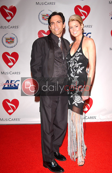 Dr. Bill Dorfman and Jennifer Murphy<br />at the 2006 MusiCares Person of the Year Gala. Los Angeles Convention Center, Los Angeles, CA 02-06-06<br />Dave Edwards/DailyCeleb.com 818-249-4998