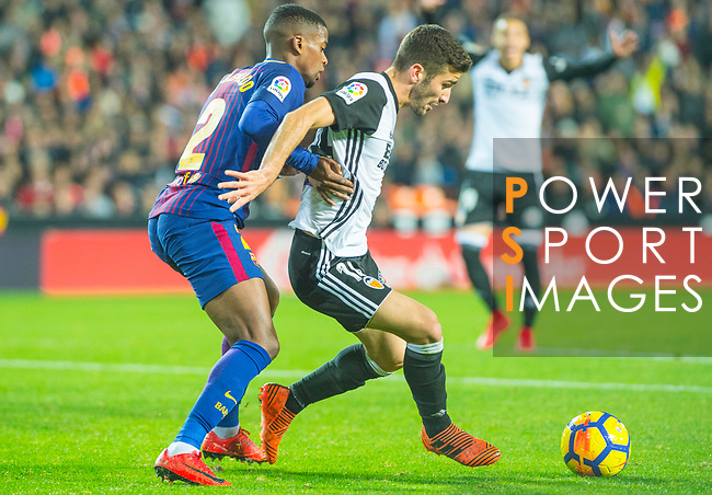 Jose Luis Gaya Pena of Valencia CF competes for the ball with Nelson Cabral Semedo of FC Barcelona during the La Liga 2017-18 match between Valencia CF and FC Barcelona at Estadio de Mestalla on November 26 2017 in Valencia, Spain. Photo by Maria Jose Segovia Carmona / Power Sport Images